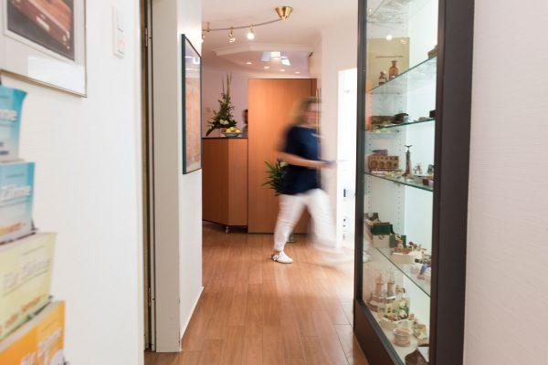 Flur - Zahnarztpraxis Hallmich-Kober in Hilden